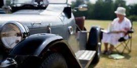 vintage-car-picnic-300x199 (2)